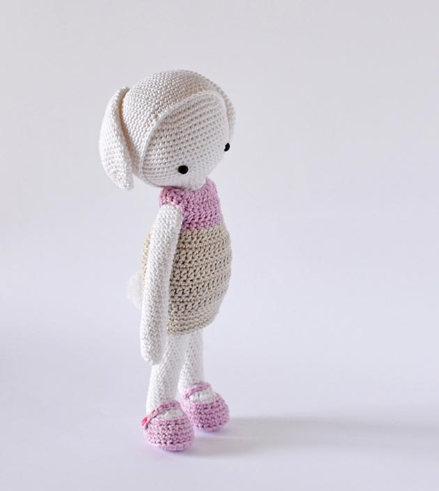 Amazon.com: Bunny Rabbit Amigurumi Pattern (Crochet Pattern Books ... | 704x630